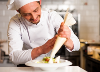 Czas irodzaj posiłku aefektywność pracowników