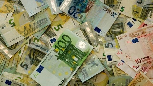 s_money-482596_640