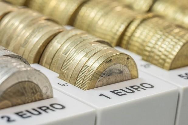 s_money-628580_640