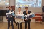 Od lewej Robert Duczyński, Katarzyna Gajewska i Piotr Falkowski - zwycięzcy P&G CEO Challenge na Europę Środkowo-Wschodnią którzy jadą na finał europejski do Rzymu